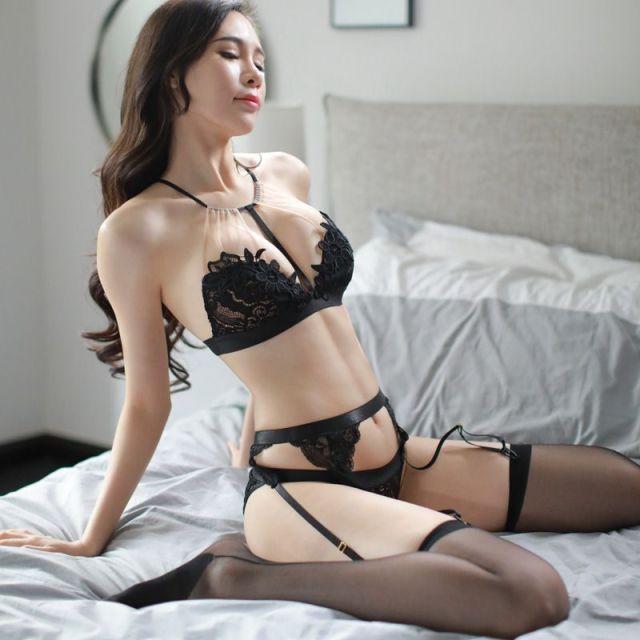 2018 New Women Erotic Lingerie For Perspective Female Sex Underwear Erotic Black Lace Bra Porn Sexy Lingerie Temptation Costumes