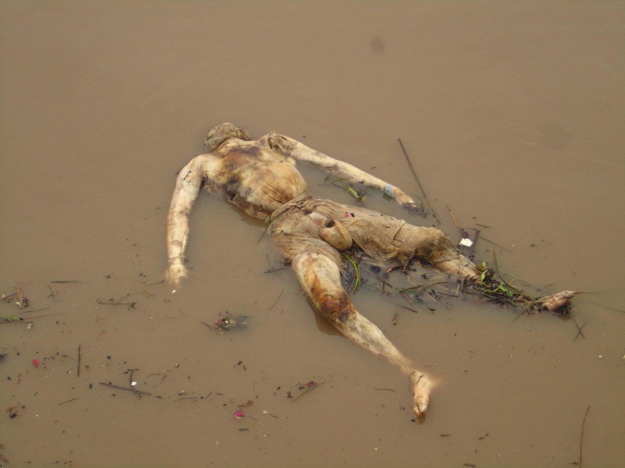 IMG_1230.jpg (혐) 인도인들의 성수 겐지스 강 실태.jpg