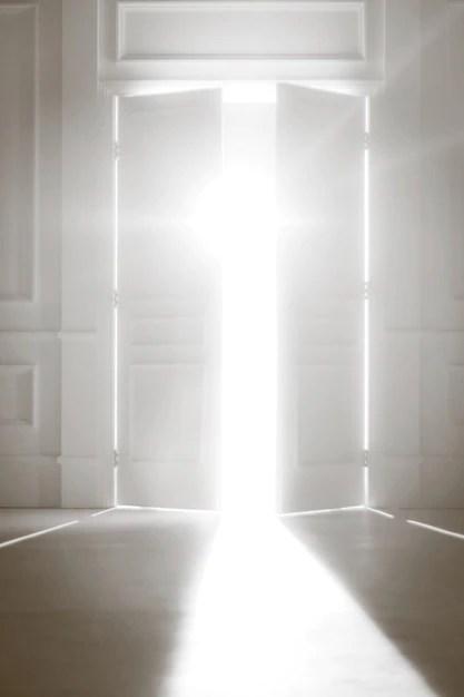 Znalezione obrazy dla zapytania otwarte drzwi zdjecia