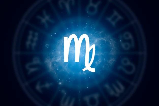 Segno zodiacale vergine su uno sfondo di cielo stellato Foto Premium