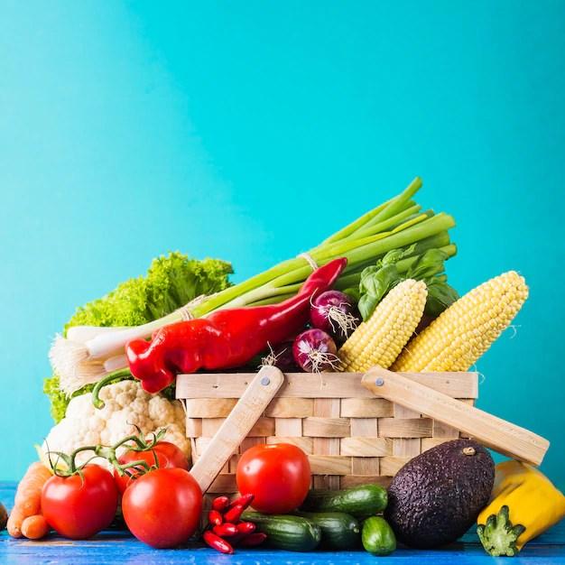 frutas e vegetais devem ser consumidos diariamente para manter um dieta equilibrada