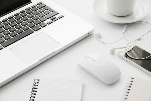 Laptop och mus