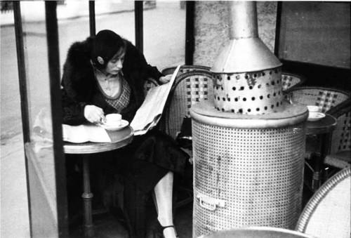 1928-Café-du-Dome,-Winter-Morning,-Paris---Andre-Kertèsz