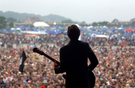 https://i2.wp.com/image.guardian.co.uk/sys-images/Arts/Arts_/Pictures/2007/04/05/glasto460.jpg