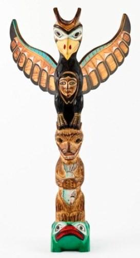 Roh Rajawali pada Totem suku Indian Ketchikan Alaska