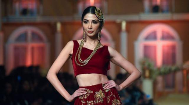 Lahore_fashion_show modeling profession