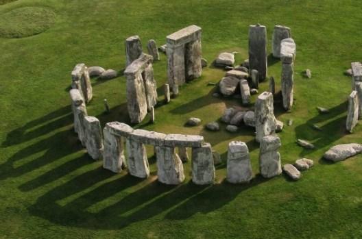 Stonehenge peninggalan era neolitikum, salah satu bukti religiusitas manusia