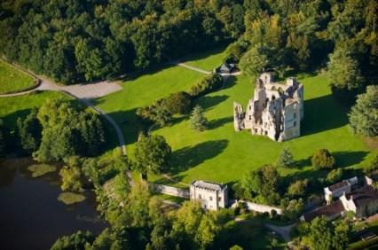 Kastil. Di Surga kita bisa memiliki kastil sendiri