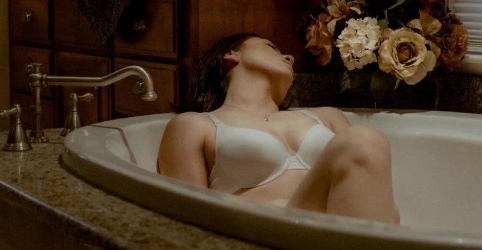 bath_in_hot_water sexual intercourse