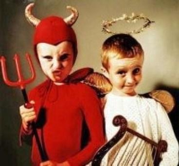 Iblis dan Malaikat, perlambang sumber penilaian moral