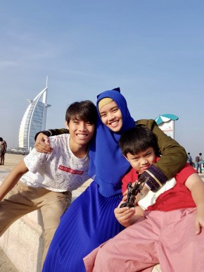 helloconchita conchita dubai family trip fashion hijab