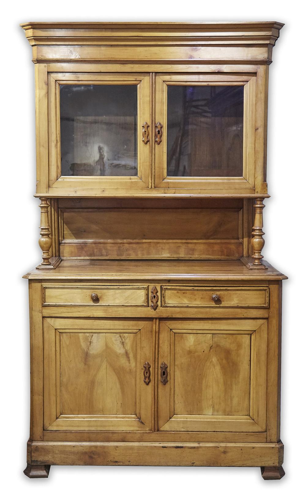 https www invaluable com auction lot buffet vaisselier en bois clair ouvrant par deux 129 c b244d5f92e