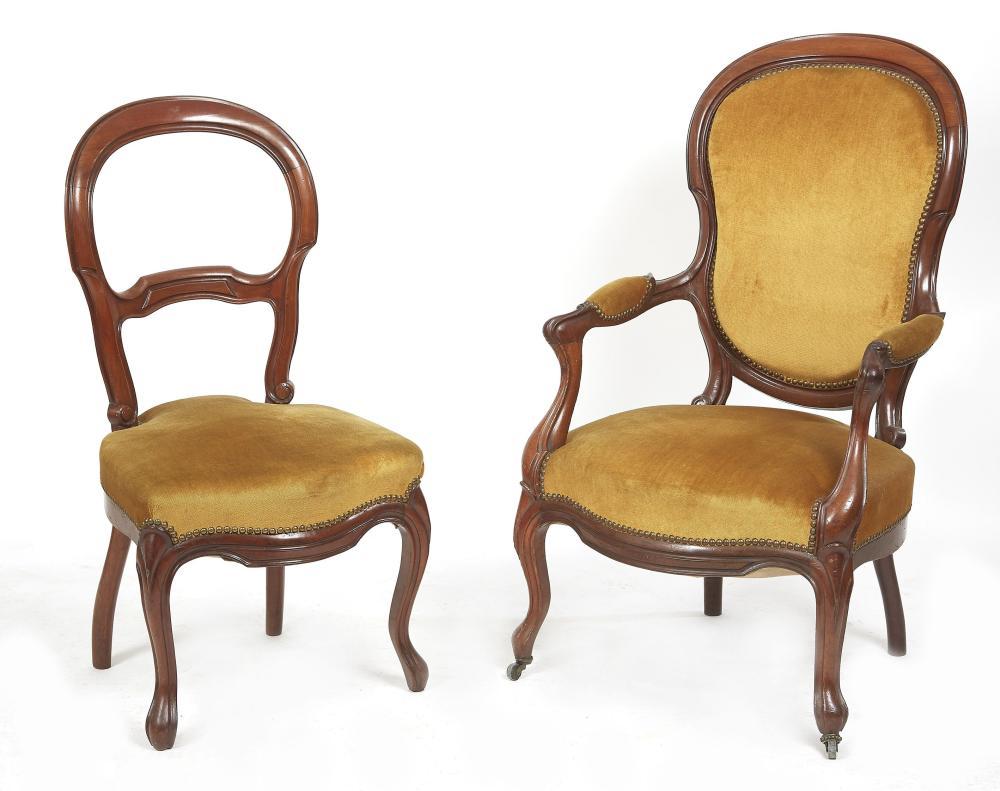 un fauteuil et une chaise en bois naturel de style louis philippe c 98 x 47 x 45 cm f 102 x 60 x