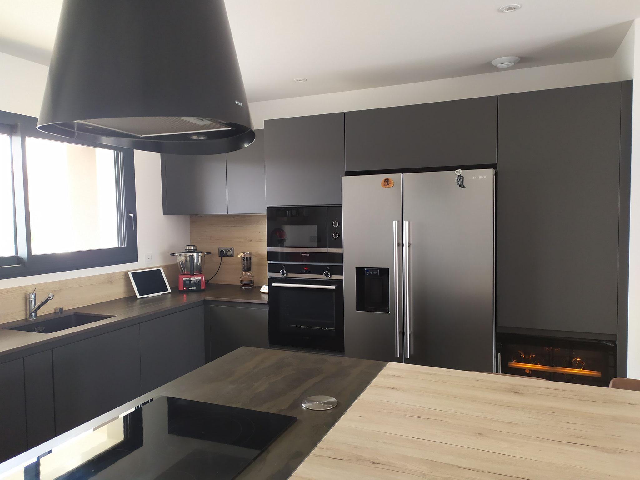 cuisines noires et bois cuisine
