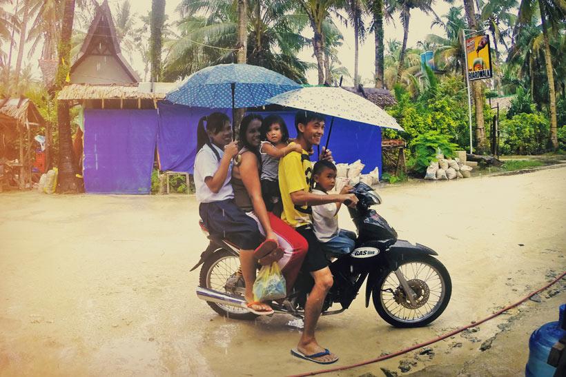 How many people fit on a motorbike? Many! Siargao, Philippines © Sabrina Iovino | via @Just1WayTicket