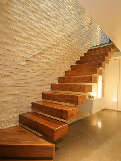China Design Indoor Wood Straight Floating Stairs Solid Wooden   Solid Wood Steps For Stairs   Staircase   Iron Rod   Oak Veneer   Rounded   Stained