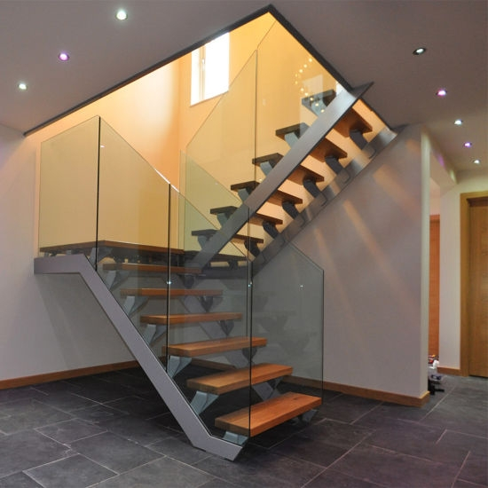 China Single Stringer Straight Steel Wood Staircase Cast Iron | Cast Iron Straight Staircase | Raw Iron | Dark Stain | Handle | Luxury | Spindle