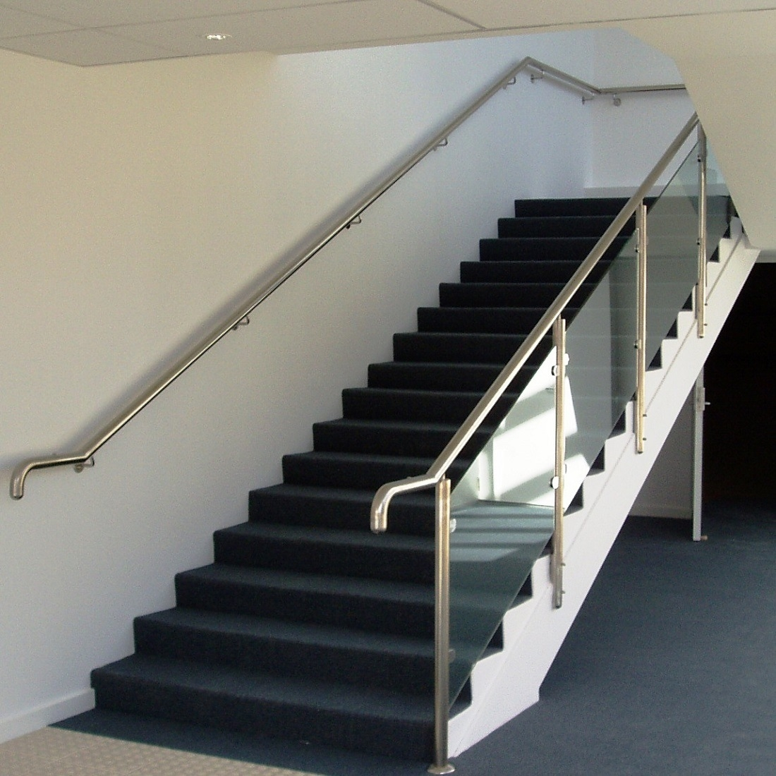 China Modern Handrail Design Indoor Stainless Steel Railing Glass | Handrails For Stairs Interior | Staircase Handrail | Rectangular Tube | Residential | Barnwood Rustic | Industrial