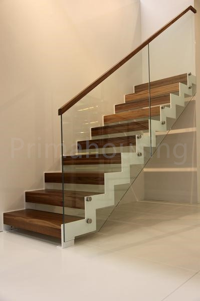 China Interior Solid Wood Staircase With Tempered Glass Railing | Wooden Railing Designs For Stairs | Wrought Iron | Unique | Minimal Railing | Brown | Balcony