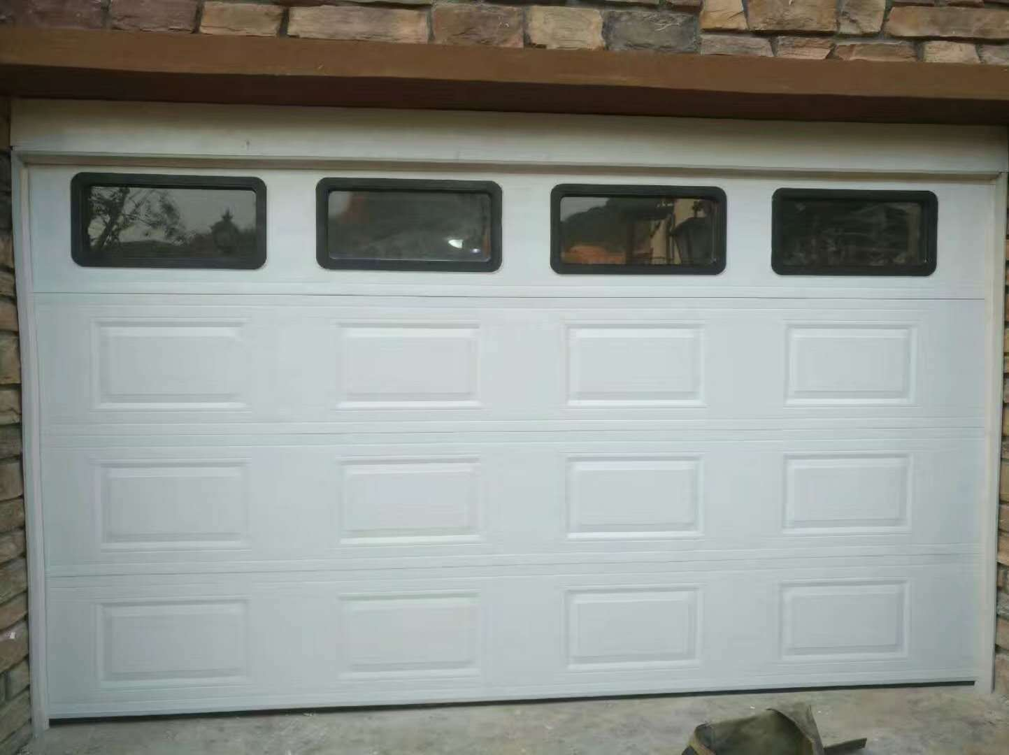 China Automatic Roller Garage Door With Remote Control In
