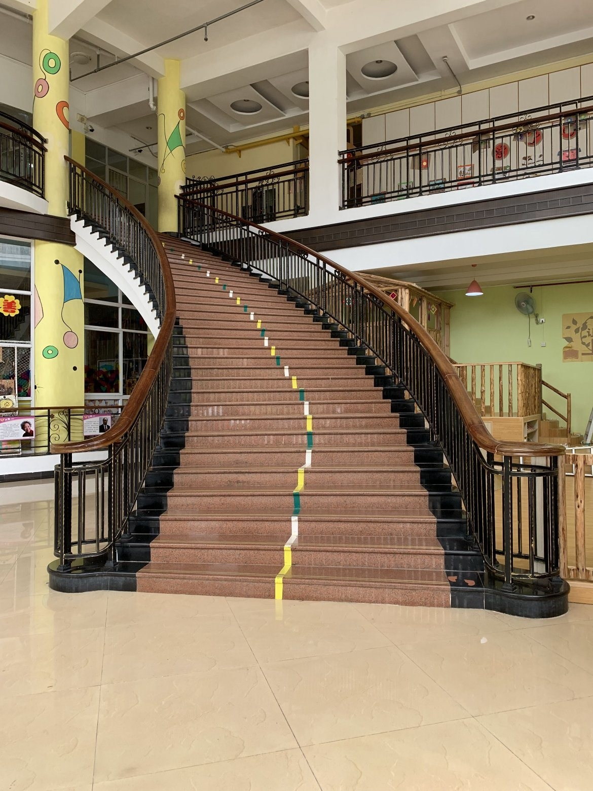 China Customized Luxury Indoor Wrought Iron Stair Railing Design   Wrought Iron Stair Railing   Diy   Staircase   Simple   Silver   Horizontal