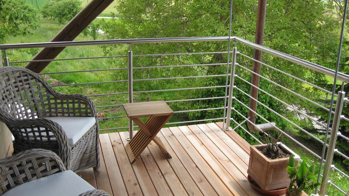 China Stainless Steel Cable Deck Railing Mounted On Floor Stair Railing China Fencing Baluster