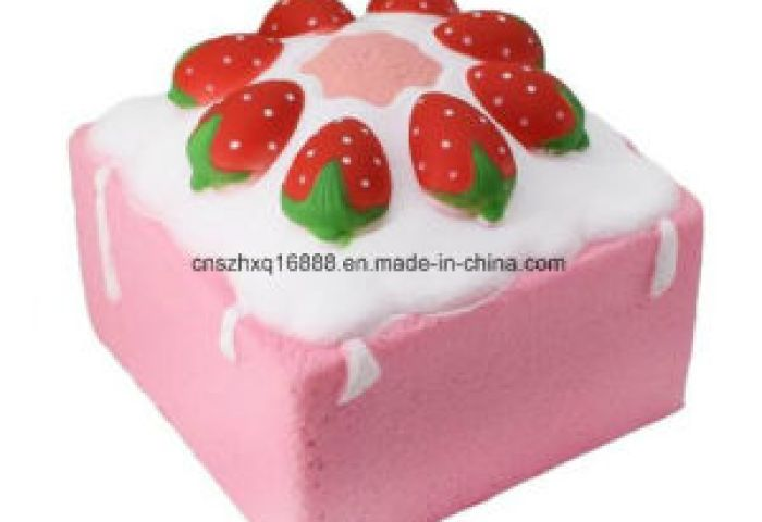 China Promotion Christmas Gift Kawaii Square Strawberry Cake Design