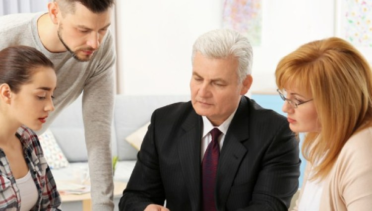 5 Things To Keep In Mind While Choosing Family Lawye