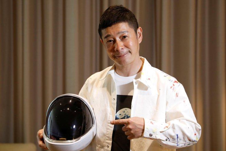 Magnate japonés sortea viaje a la luna en la nave SpaceX