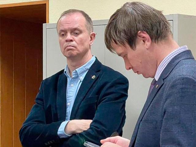 Иван Павлов( на фото - слева)