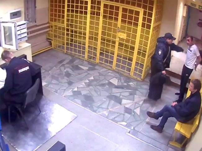 В Нижнем Тагиле судят трех оперативников, до смерти избивших задержанного: требовали признаться в краже, которую не совершал (ВИДЕО)