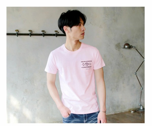 Tシャツ メンズ「Flowing」T柄 ピンク