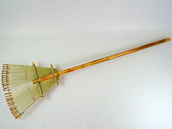 Bamboo shop TAKEI: 熊熊 24 耙 160 厘米國內日本作出 Oni 耙子竹工匠單手工完成與掃帚掃帚竹掃把非常容易使用它 ...