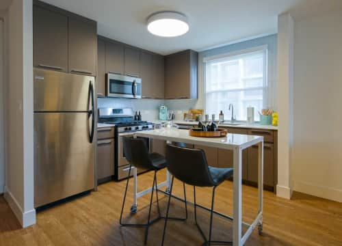 1 Bedroom Apartments In Lakeview