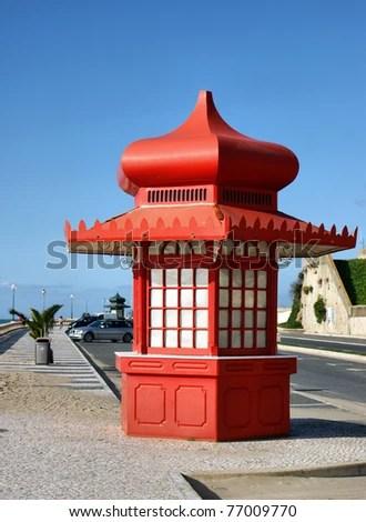 Red kiosk in Foz do Arelho #4