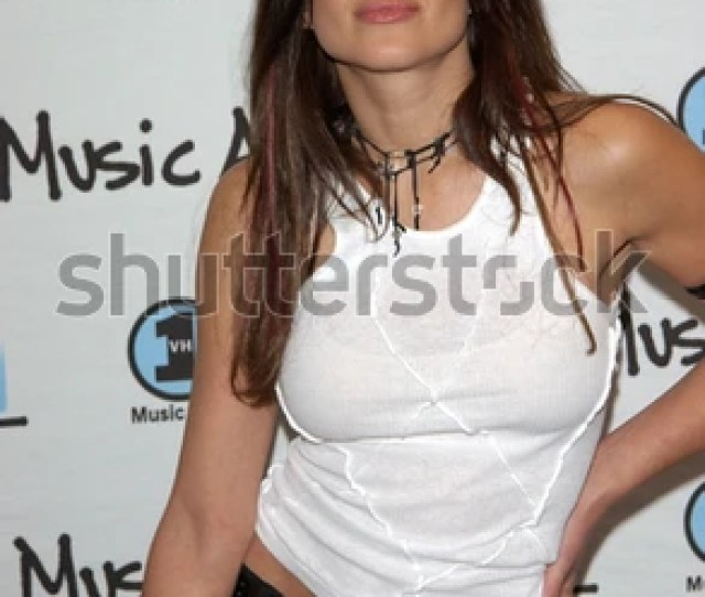 Actress Kari Wuhrer At The My Vh1 Music Awards In Los Angeles 02dec2001 Paul
