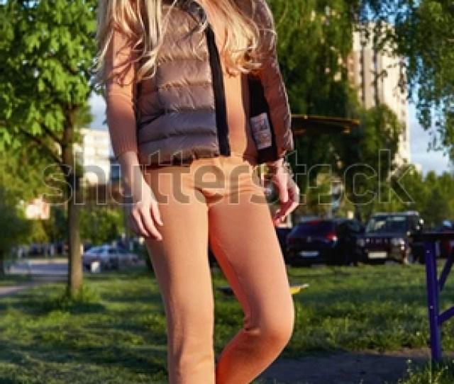 Beautiful Sexy Girl Walk In Park Garden Summer Autumn Weather Sun Shine Wear Kitten Merino Wool