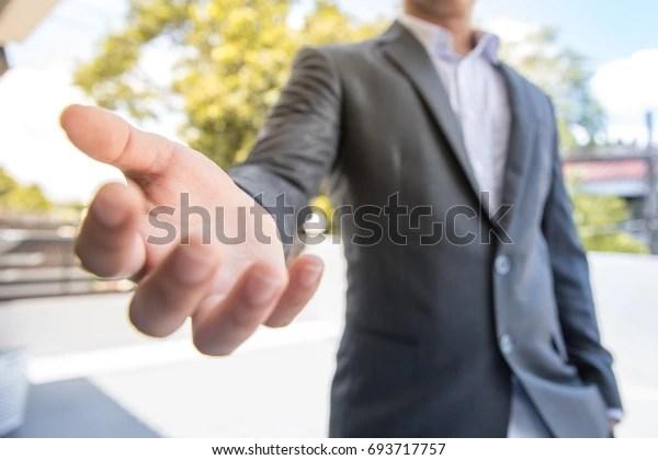 hombre de negocios listo dar esperanza dinero trabajo futuro por favor pararse y crear un nuevo proyecto ir con la empresa mejor que damos felicidad Usted será rico
