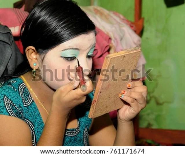 Jessore Bangladesh November 23 2017 Bangladeshi Sex Workers Apply Makeup Inside Their