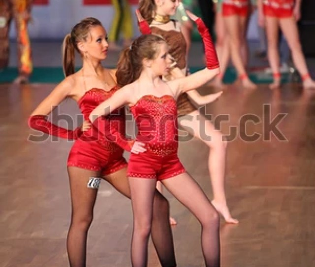 Moscow May 4 Barefoot Girls Wearing Red Costumes Dance At Ix World Dance Olympiad