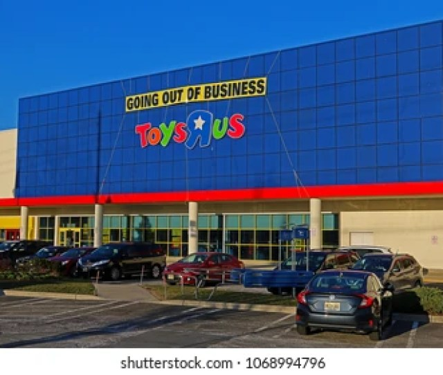 Paramus Mj March 26 2018 A Going Out Of Business Sign As