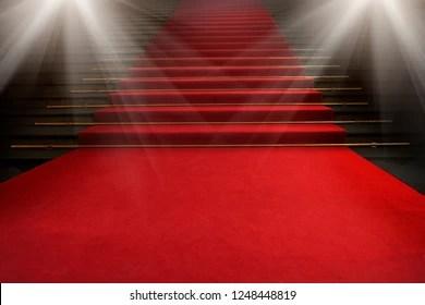 https www shutterstock com fr image photo red carpet on stairs dark background 1248448819