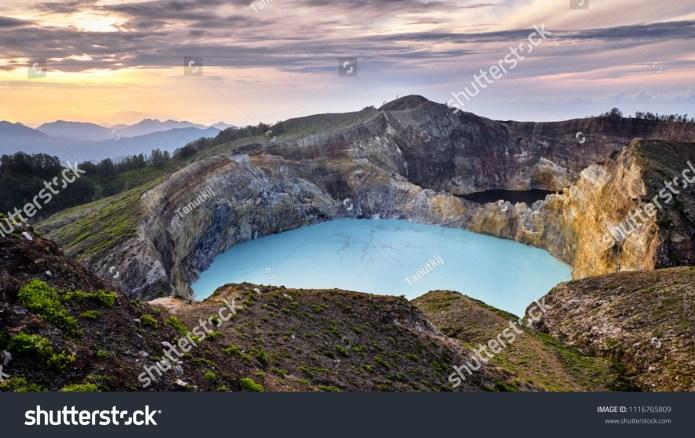 Crater Lakes Stunning Mount Kelimutu Lake Stock Photo Edit Now 1116765809