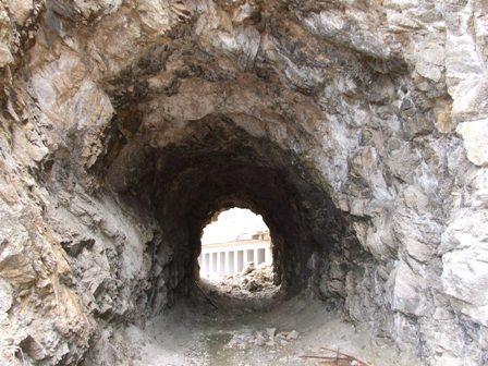 笹川流れのトンネル