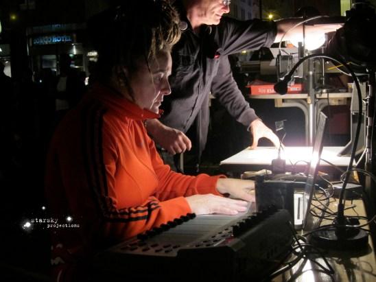 die lange nacht des missbrauchs volksbegehren gegen kirchenprivilegien stephansplatz   wien   2011 live camera set   schreibmaschinen   live projection set projection : starsky foto : brunilda castejon