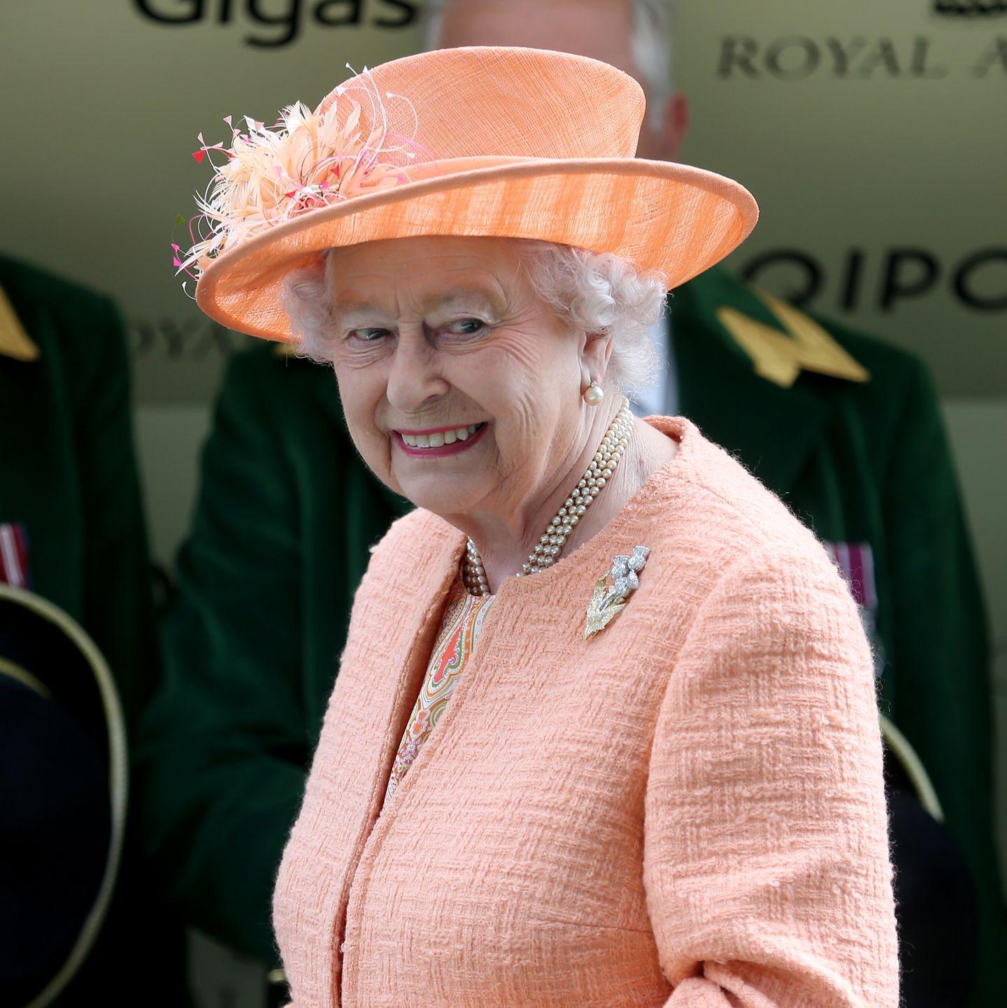 Queen Elizabeth In Deutschland So Verhalten Sie Sich Richtig Stern De