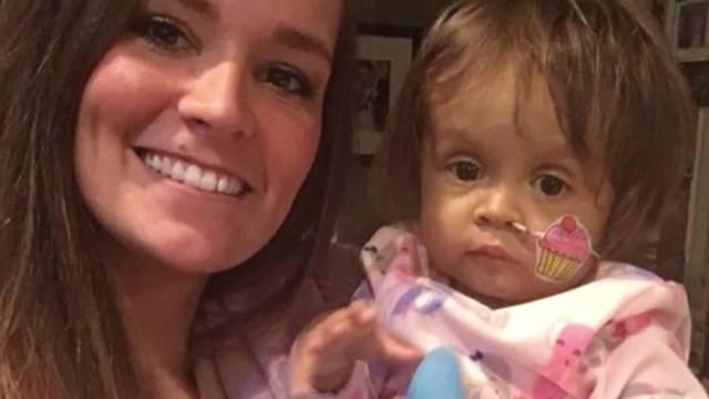 Lebensretterin: Ganz große Geste: Kindermädchen spendet Leber für betreutes Kleinkind