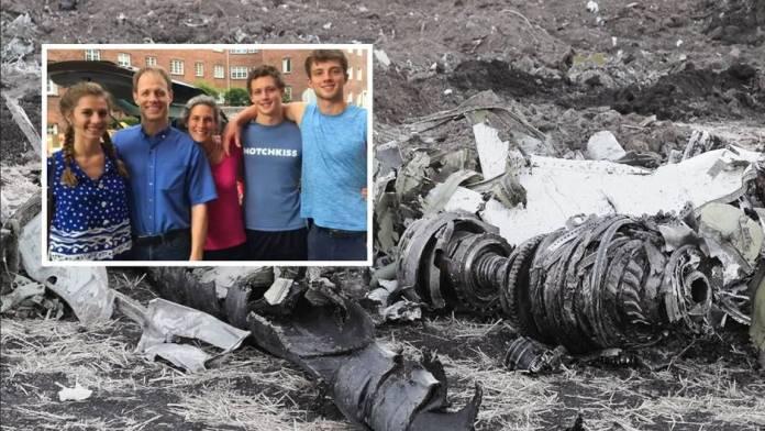 737 MAX crash: Relatives sue Boeing