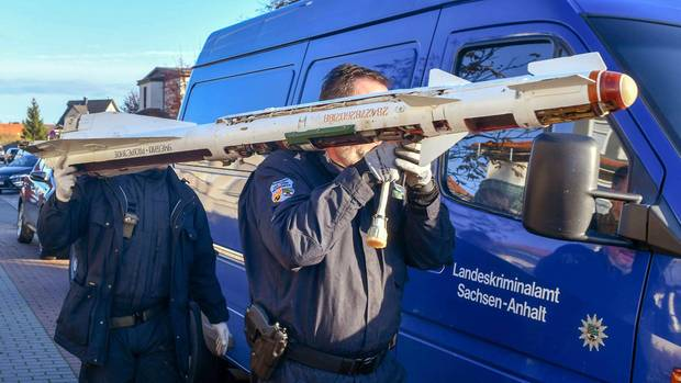 Noticias de Alemania - Expertos llevan el misil aire-aire desde una casa
