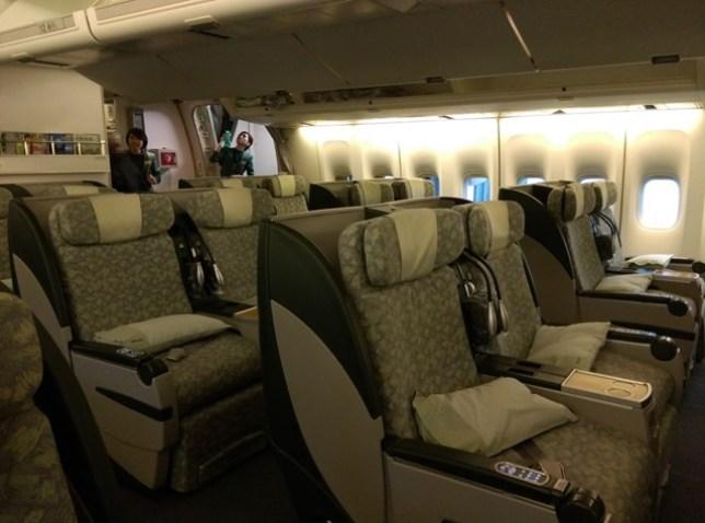 fly08 201503飛香港也有商務艙喔 怎麼這麼好